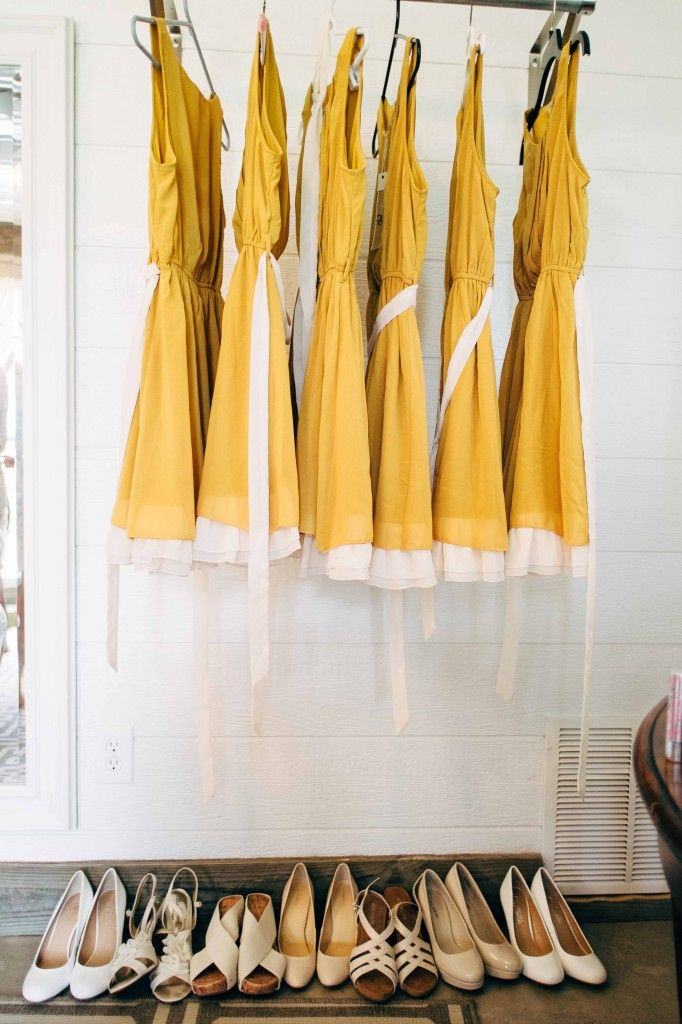 Spring Wedding at Rustic Grace Estate | Yellow bridesmaid dresses | daisy bouquet | sunflower bouquet | barn wedding venue | #barnwedding #weddingideas #bridesmaids www.rusticgraceestate.com
