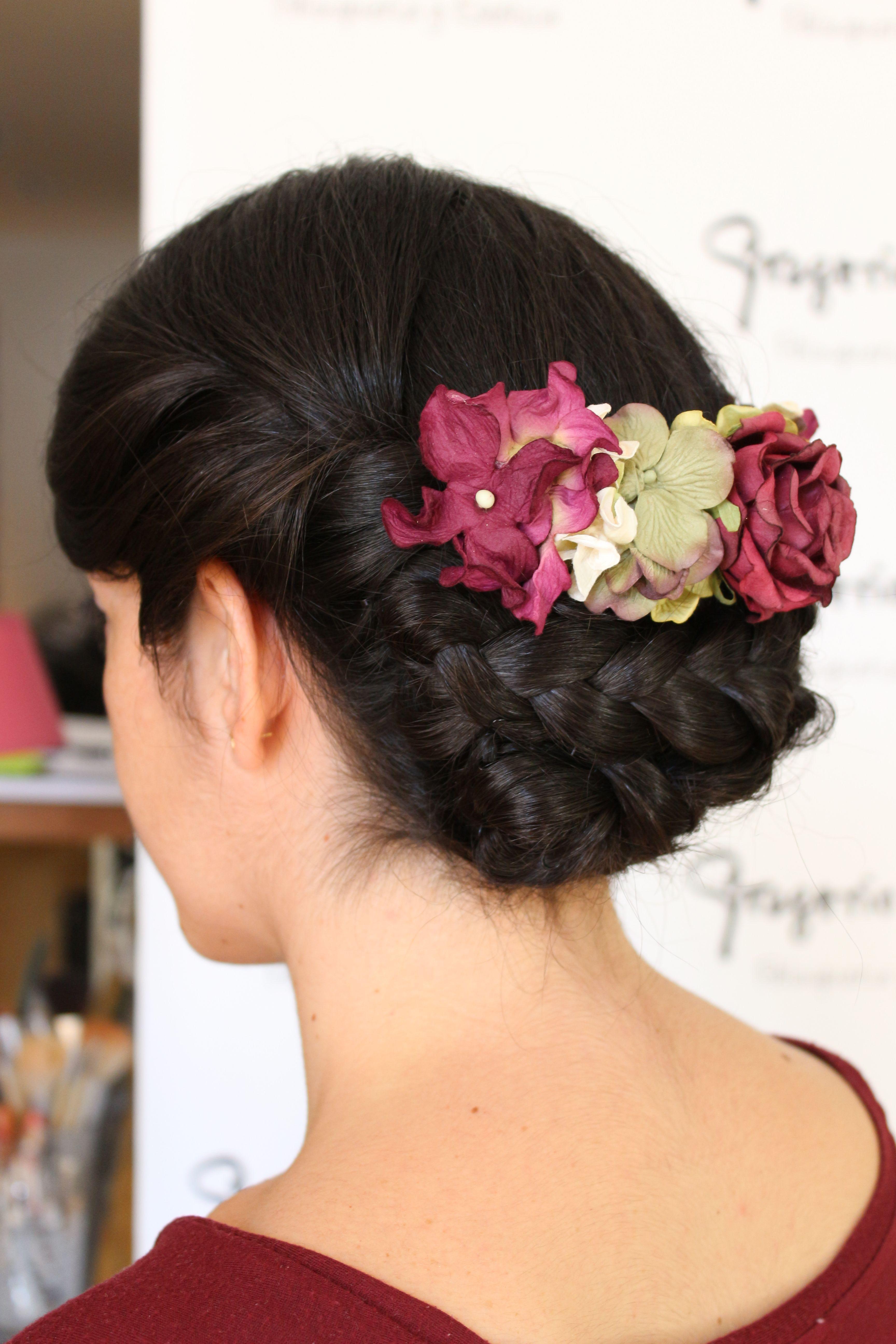 Bonito y sencillo peinados con tocado para boda Imagen de cortes de pelo estilo - Recogido para boda con tocado de flores realizado en ...