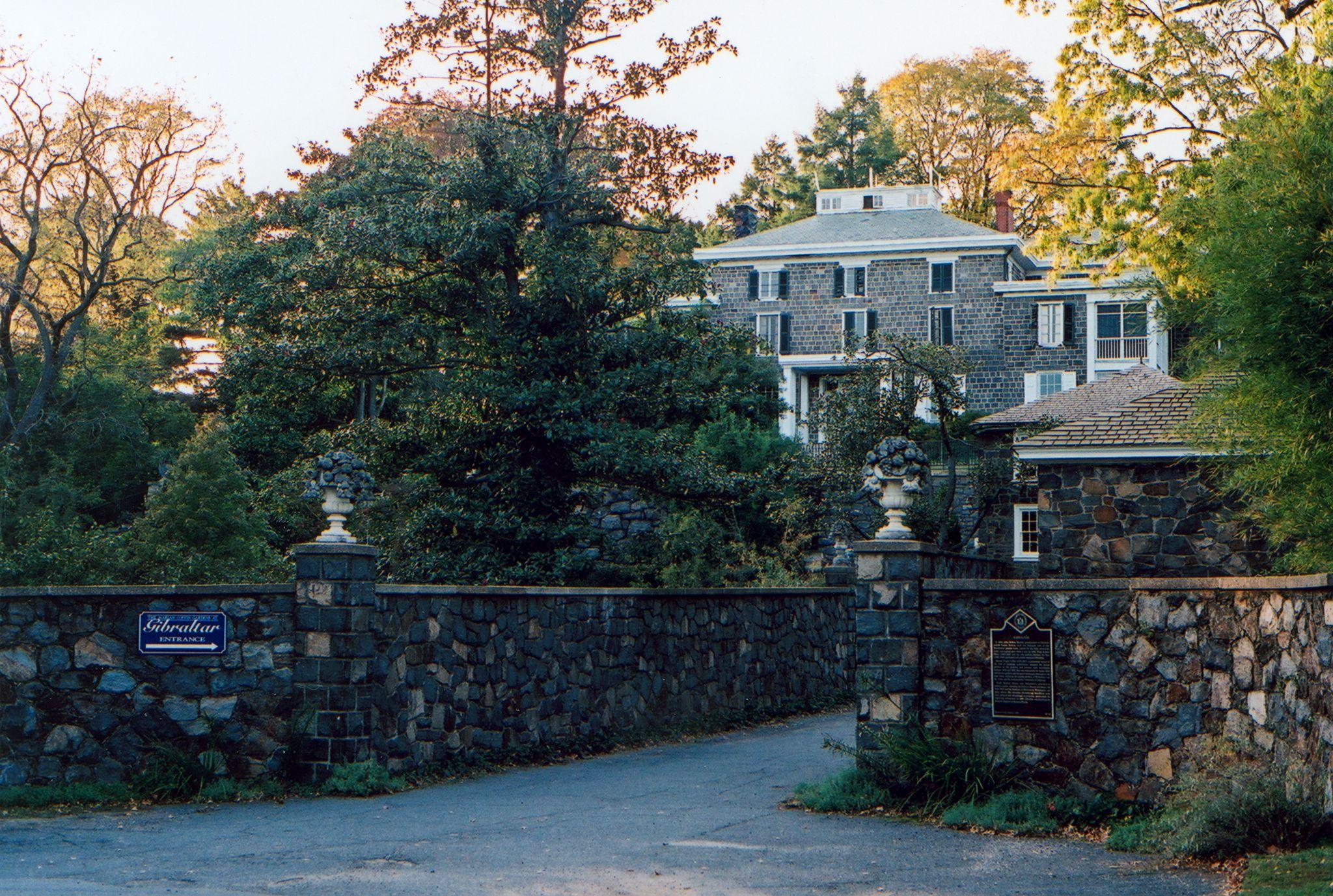 Gibraltar mansion wilmington delaware once a showplace for Dupont house