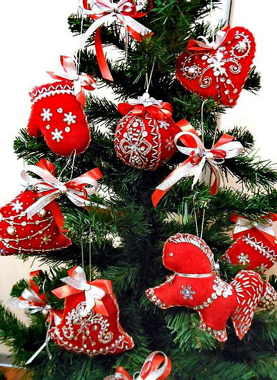 Beautiful embroidered Christmas Ornaments Christmas Ideas