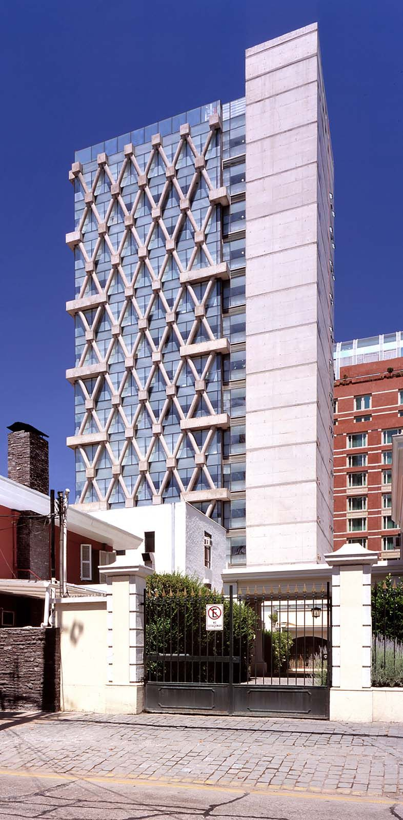 Las Condes Town Council Building|undurragadeves