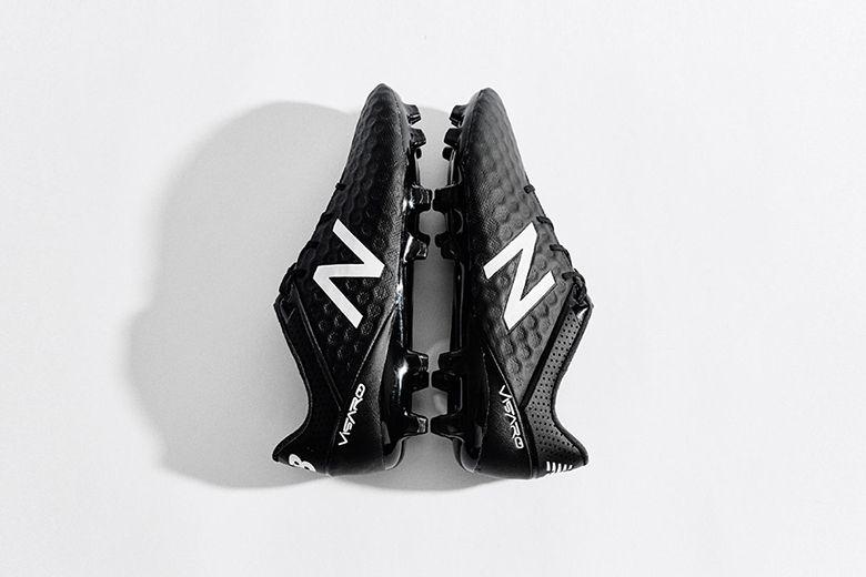 mens new balance football boots