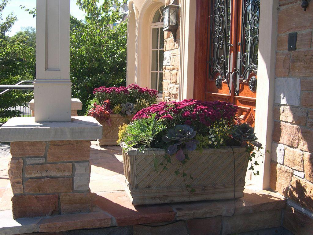Best Ideas To Guideline Organize Front Door Planters