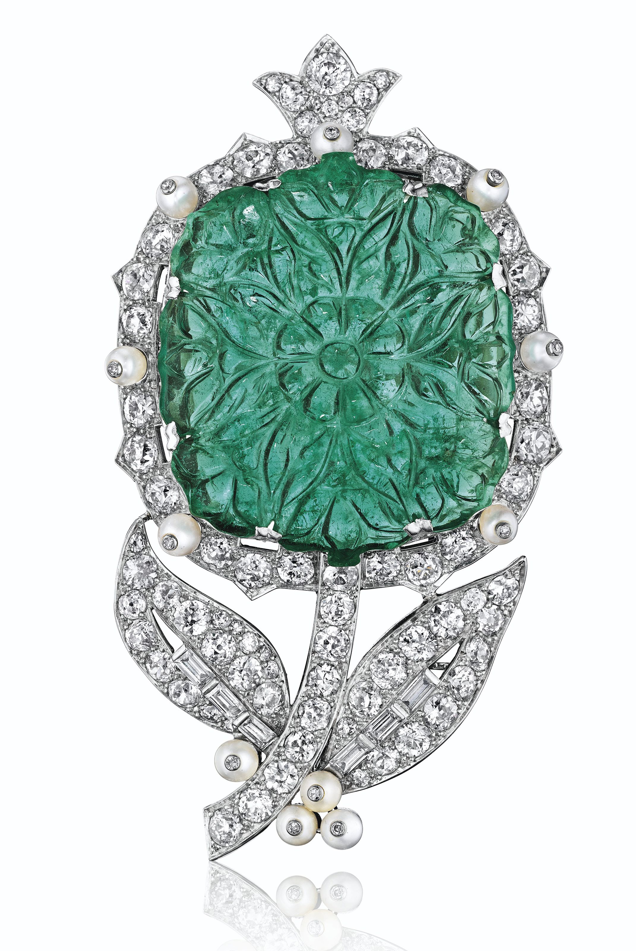 diamond diamonds gold pin and cut of accented emeralds composed with suspending emerald a stylised cartier brilliant cabochon leaves necklace line