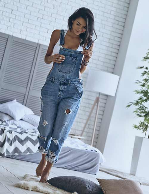 ce3d1a49f63e 15+ Best Ways To Style Your Overalls