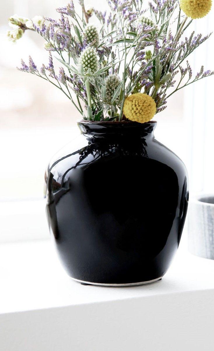 Schwarze Vase Mit Hochglanz Finish Blumen Blumenstrauss