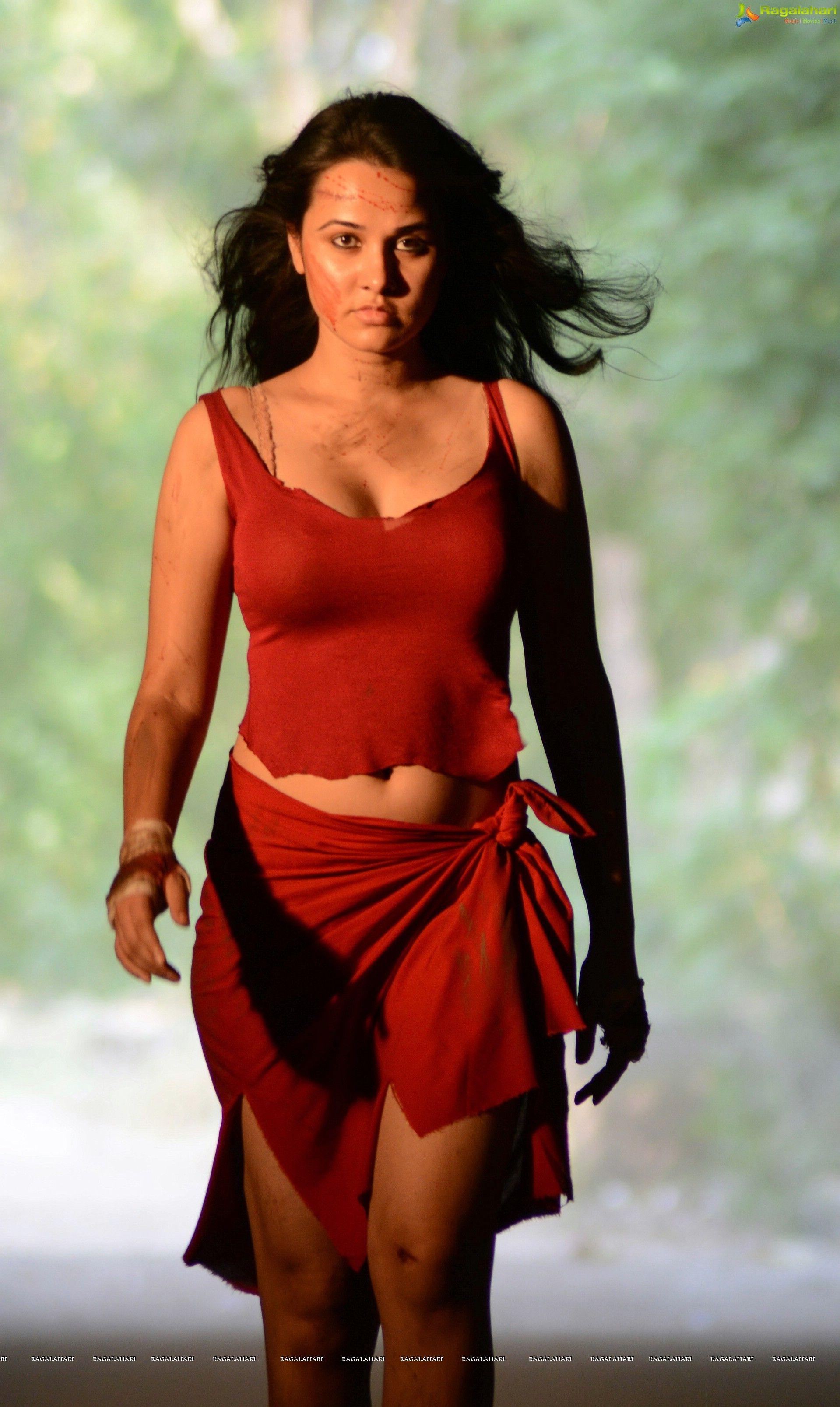 Priyanka Kothari Nude Photos 61