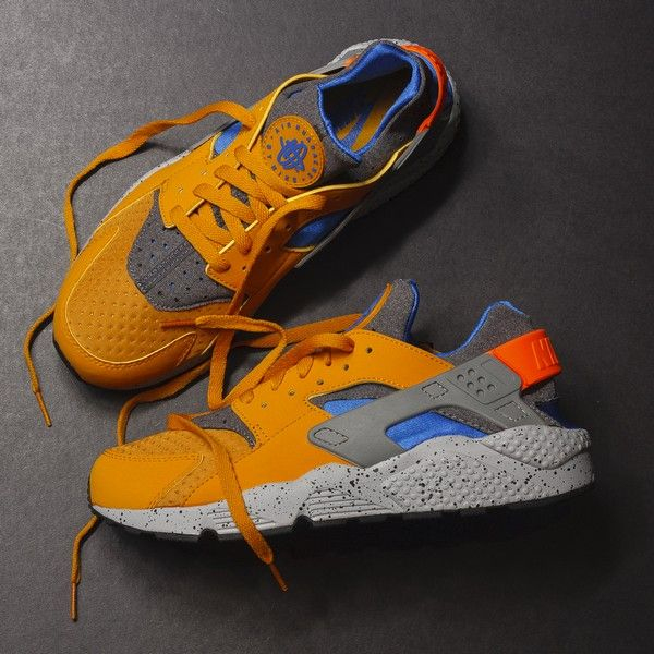 53b4743adc9e0 Nike Air Huarache Run SE (Gold Leaf)  120