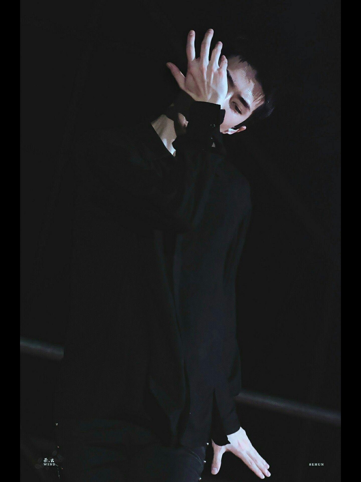 #EXO #엑소 #Weareone #Suho #Leader #KimJunMyeon #김준면 #Lay #Yixing #Zhanh