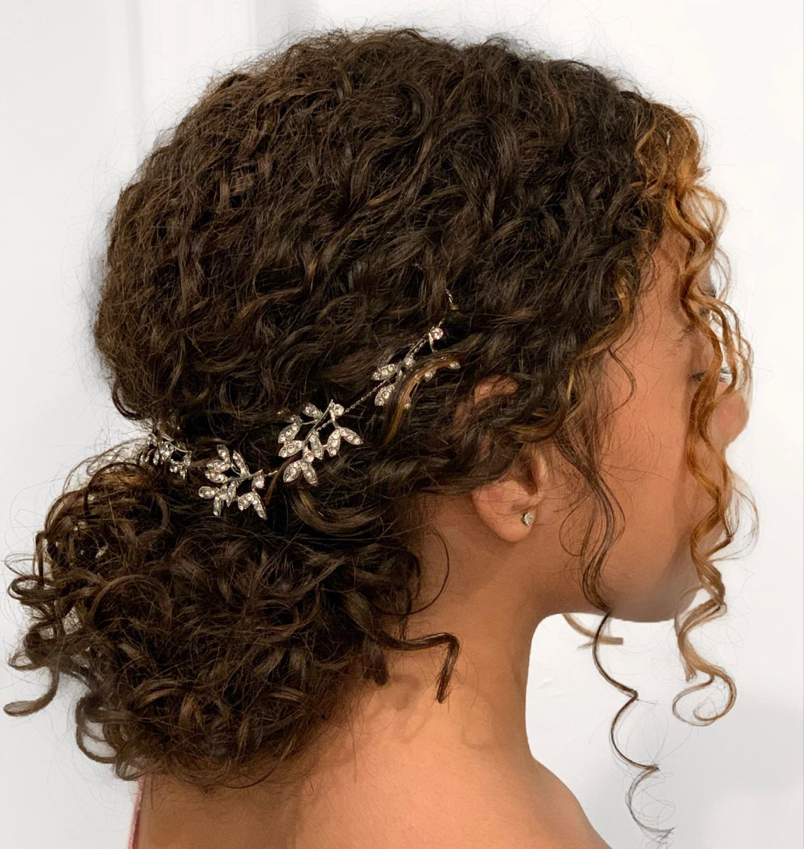 Hair Salon Luxe Beauty Room New Jersey In 2020 Flower Girl Hairstyles Updo Curly Hair Styles Naturally Curly Girl Hairstyles
