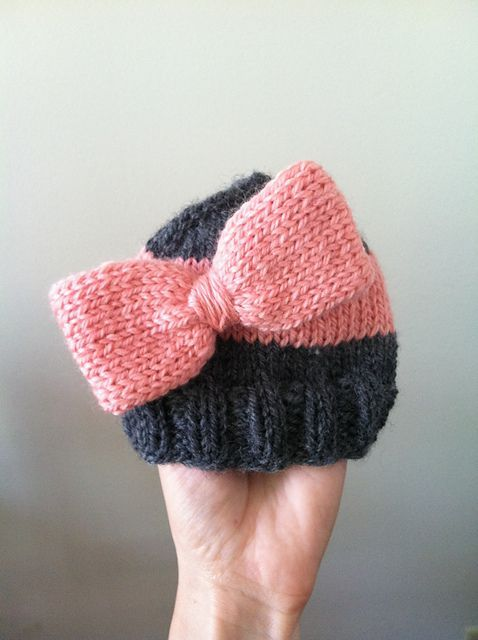 Very cute! The Big Bow Baby Hat - free knitting pattern from the ...