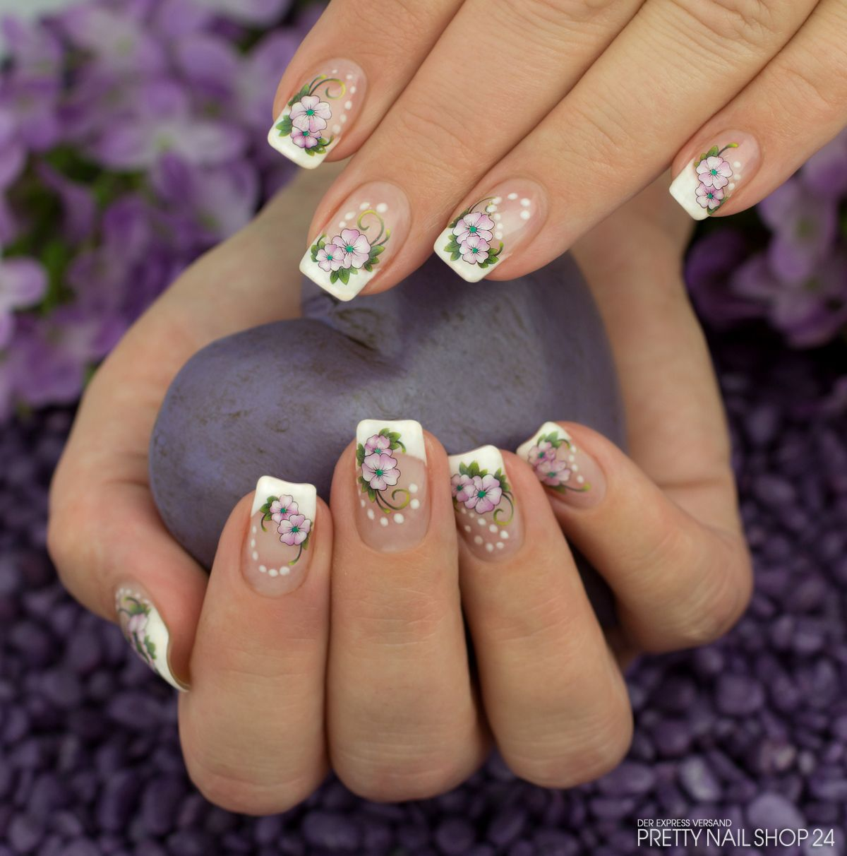 french #tattoos #nails #naildesign Meine Kollegin Marina hat sich ...