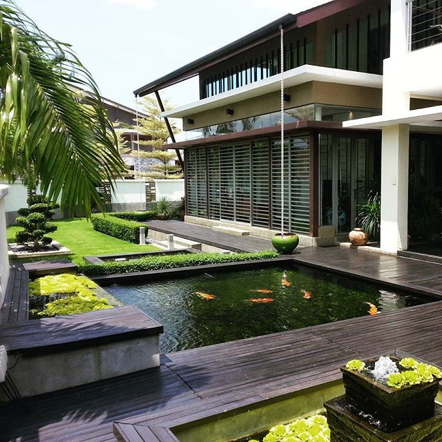 Bungalow with koi pond at bukit jelutong shah alam for Koi pond design malaysia