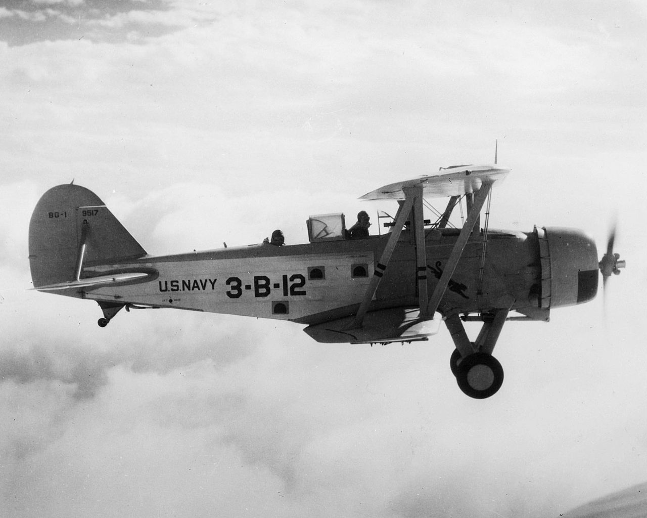 The Great Lakes Bg Was An American Carrier Based Dive Bomber Of The 1930s Designed And Built By The Great Lakes Aircraft Co Great Lakes Naval Aviator Aircraft