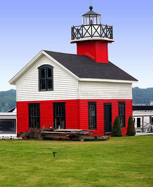 Little Lighthouse, Saugatuck - Douglas, Michigan, Lake Michigan, Great Lakes | by Wernher Krutein