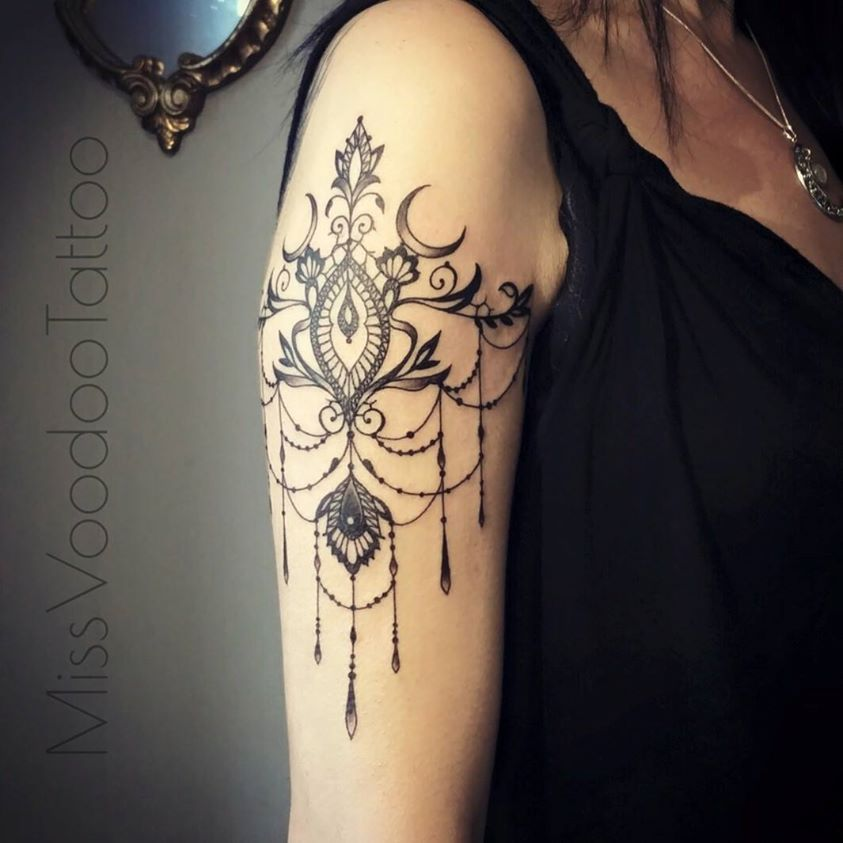 tatouage dentelle recherche google tattoo ideas tattoos lace tattoo lace shoulder tattoo. Black Bedroom Furniture Sets. Home Design Ideas