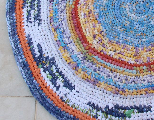 Crocheted Rag Rug From Sheets Completed Crochet Rag Rug Rag Rug Crochet Rug