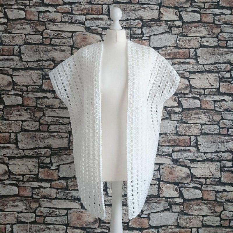 Carefree Cardi crochet pattern FREE   Yarn   Pinterest   Ponchos ...