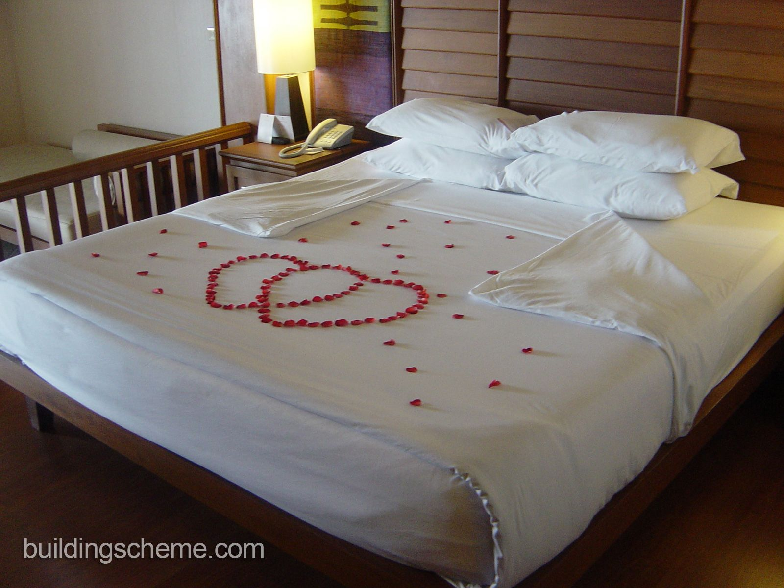 Romantic Valentines Day Ideas Classic Bedrooms for Honeymoon with Love Rose  Petals Decoration. Romantic Valentines Day Ideas Classic Bedrooms for Honeymoon with