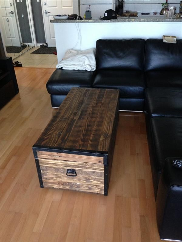 Rusitc Oversize Pallet Chest And Coffee Table (600×800)