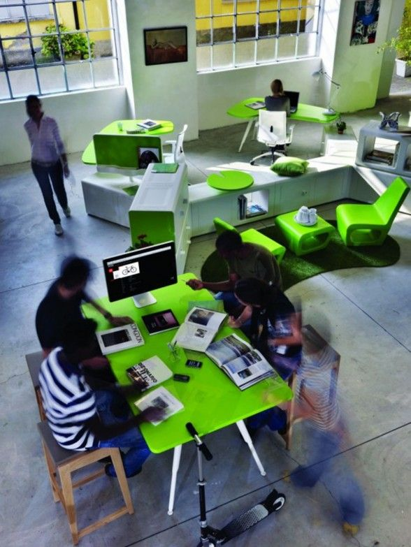 Amazing Innovative Office Furniture Work Space With Green Decorations .