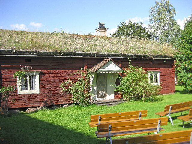 Originallly Built In The 1600 S This House Has The Traditional Swedish Torvtak A Grass Roof Sater Sweden Swedish House Grass Roof Old Houses