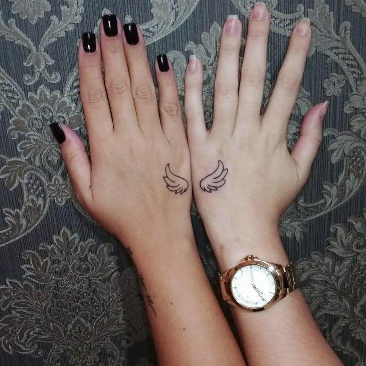 Tatuagem de amizade: 80 inspirações para eternizar o elo entre amigos