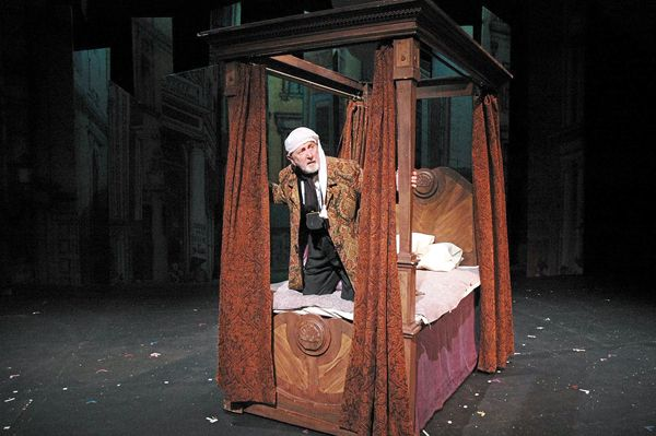 scrooge's bedroom | christmas carol production | christmas carol, mr