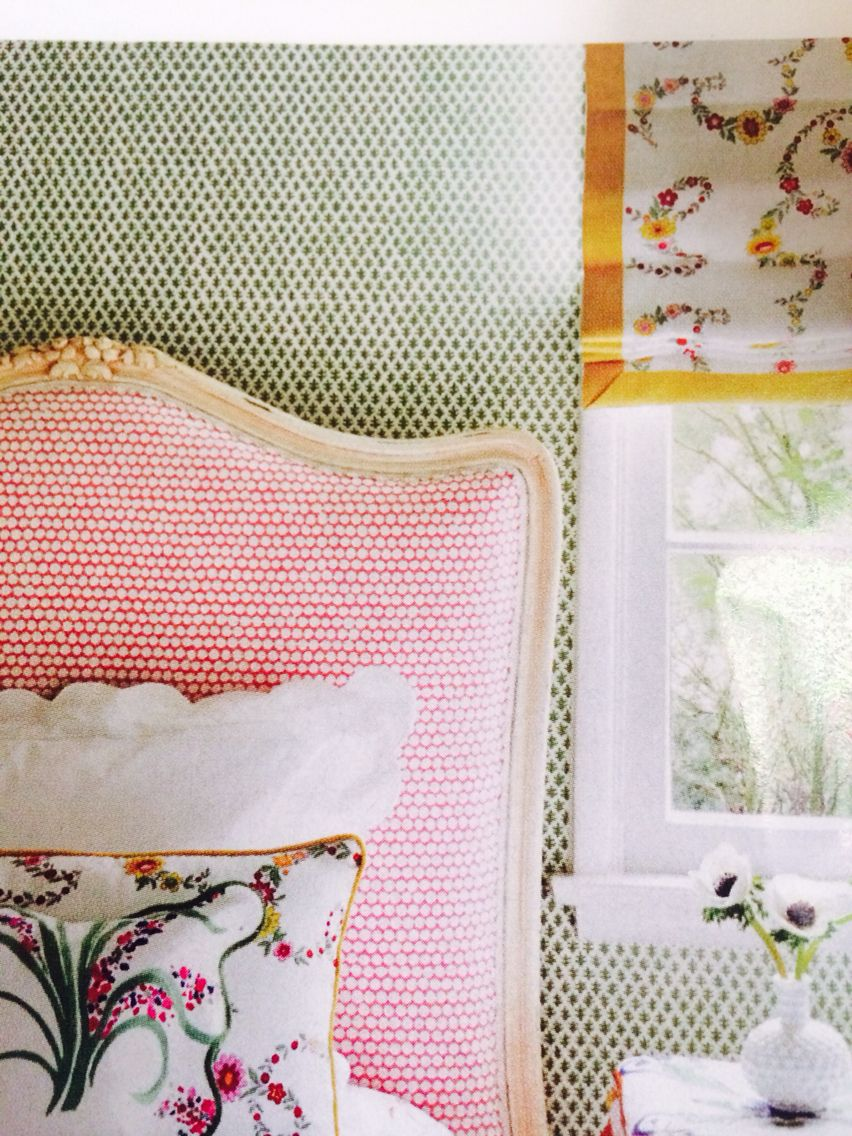 Lucy's room ideas Wallpaper - Sister's Parish Burmese Headboard - Hable Construction's Checker