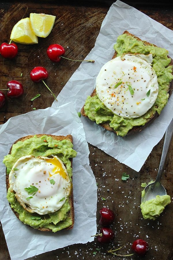 healthy breakfast recipes with eggs and avocado