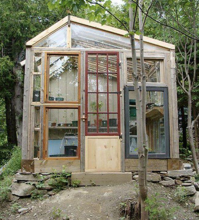 Serre avec fen tres r cup r es jardin jardins potager et cabane jardin - Cabane jardin atelier besancon ...
