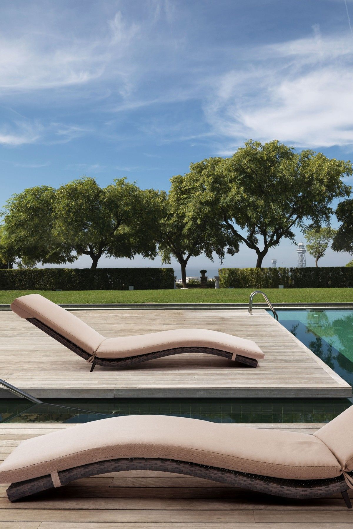 Pin By Hannah On Product Design Inspiration Things I Love Outdoor Outdoor Chaise Lounge Chair Outdoor Chaise Lounge Modern outdoor pool lounger