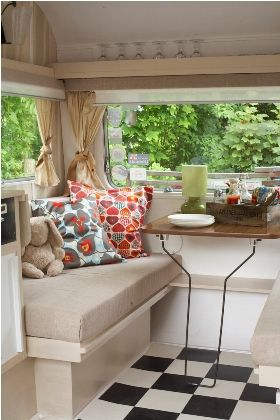 Breakfast Nook Can Also Make An Ottoman To Fit Into Open Area When