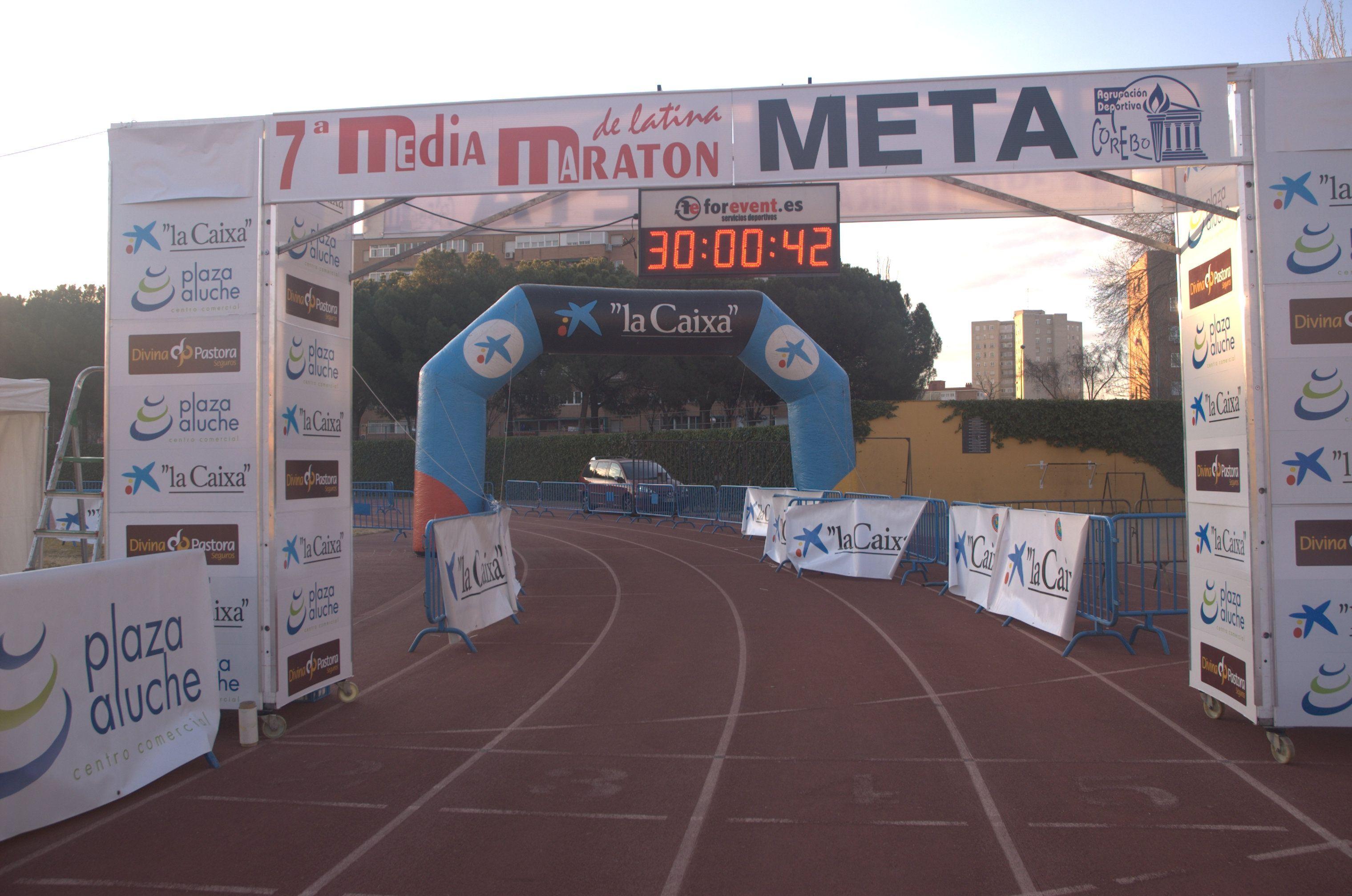 Preparativos En El Polideportivo De Aluche Latinas Media Maraton Maraton