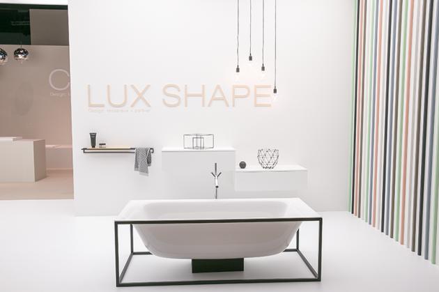 Badezimmermöbel Schwarz ~ Badewanne minimalistisch schwarzes gestell bathroom