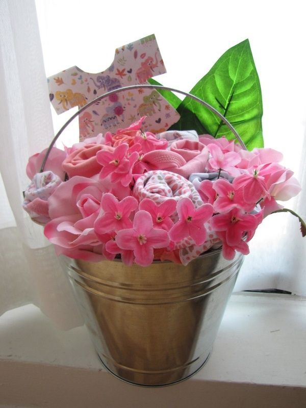 Baby bouquet 10 diy baby gifts babiesssss pinterest baby bouquet 10 diy baby gifts negle Gallery