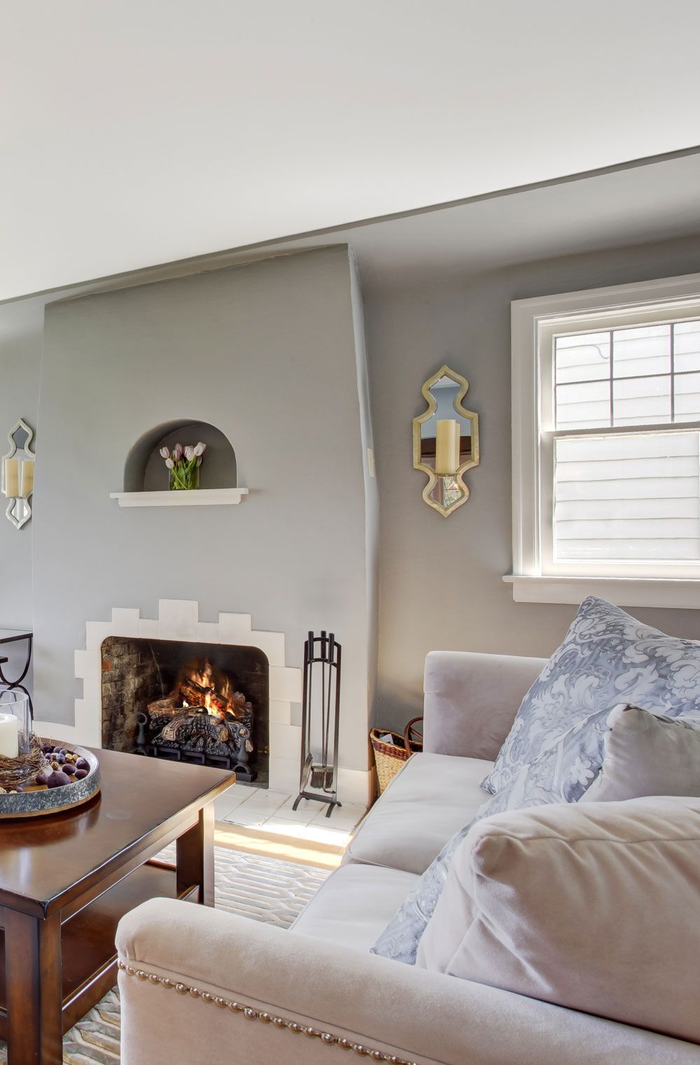 Ground floor, classic style house and living room decor example ...