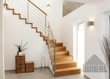 1 4 gewendelte treppe in eiche mit 4 kant gel nderpfosten. Black Bedroom Furniture Sets. Home Design Ideas