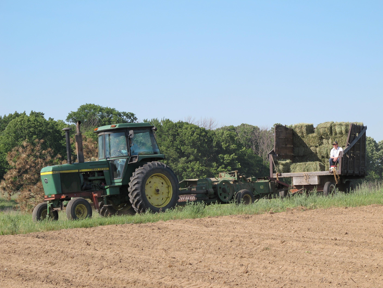 bailing hay | Baling hay Jd Tractors, John Deere Tractors, Bailing Hay, John