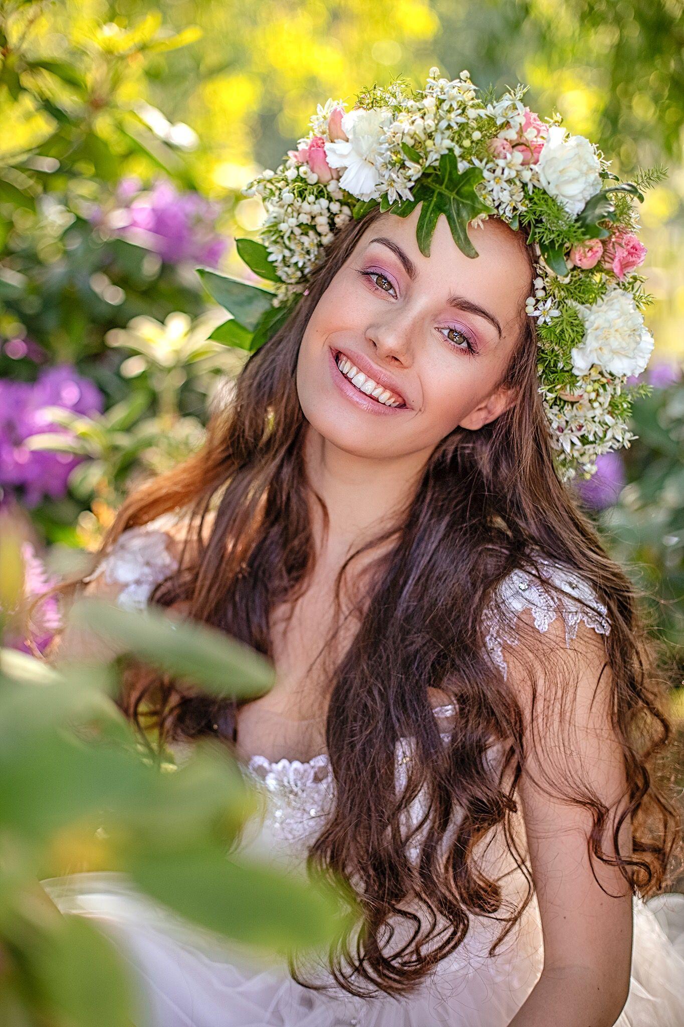 Bridal mineral makeup Mineral cosmetics, Olive