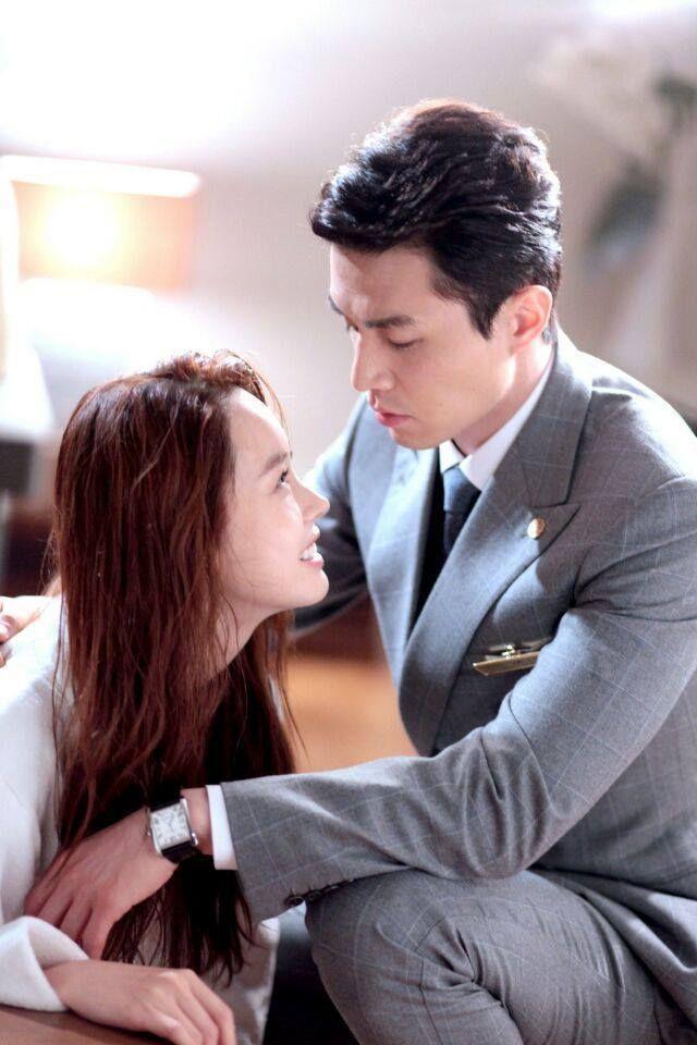 Jun 2014. Li Yi Feng Kinda Confirms Dating Lee Da Hae Who Broke His Heart.
