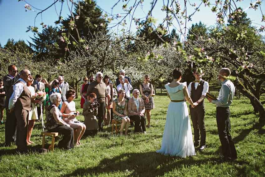 Sauvie Island Ceremony Spot UH THIS IS CUTE