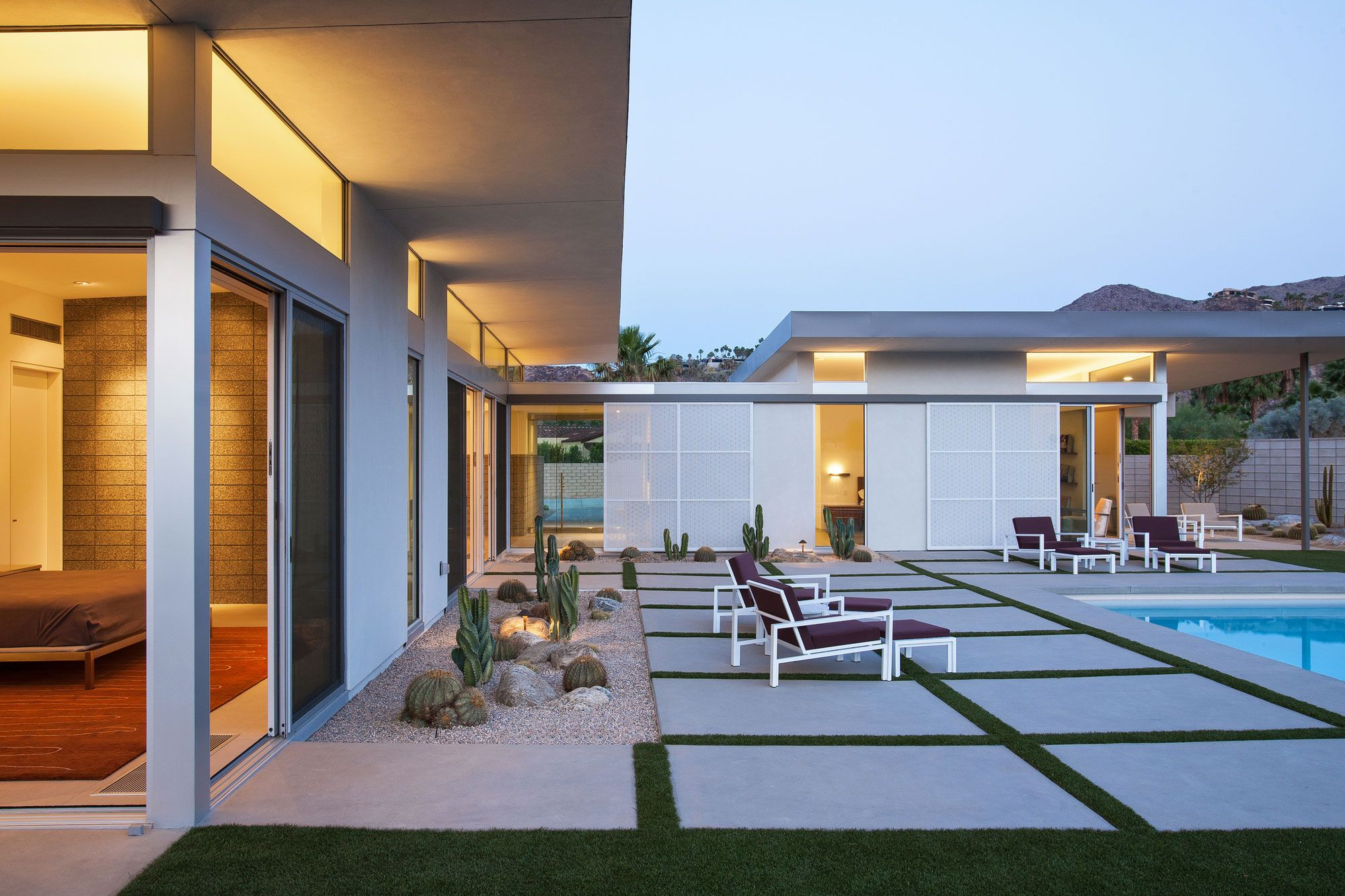 House design with sliding window  house in palm springs by o architecture  like the sliding