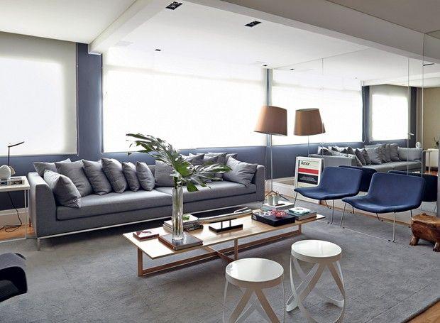 Com ambientes integrados, apartamento tem decoração com cores ...