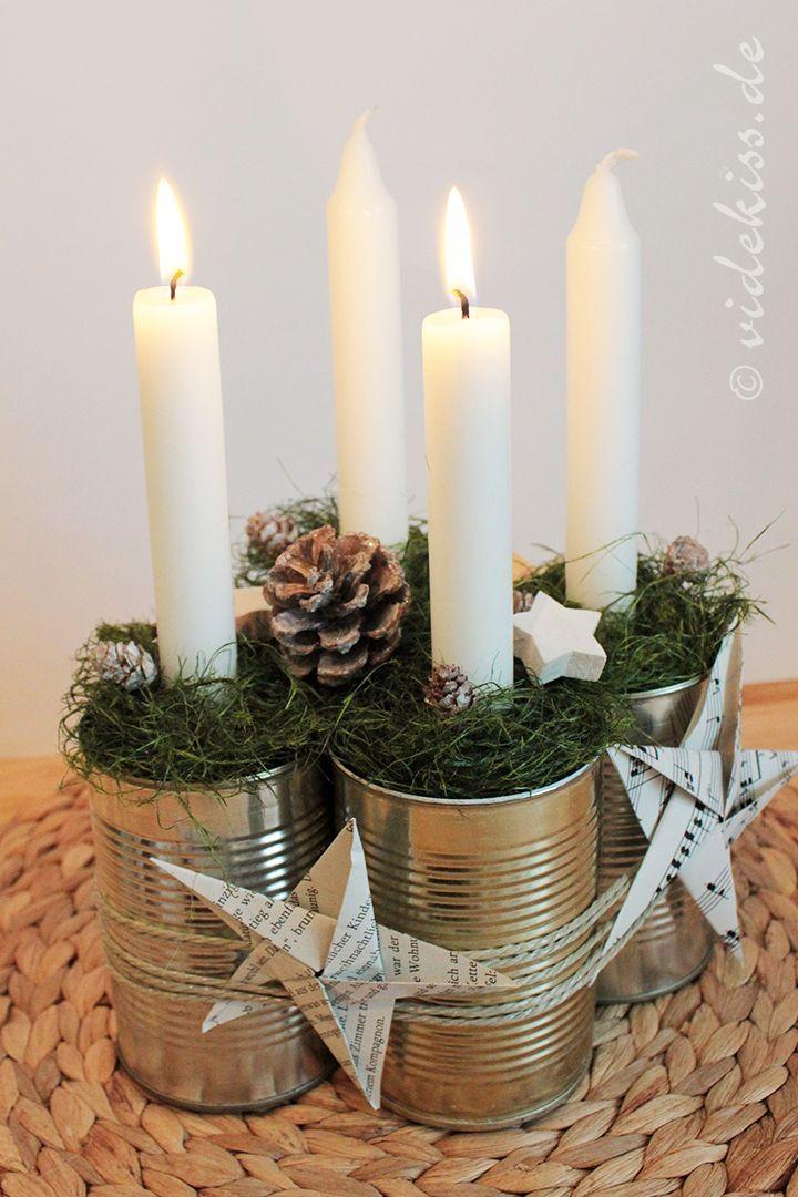 Vier blechdosen dekorieren und fertig ist der adventskranz videkiss basteln dekorieren - Blechdosen dekorieren ...