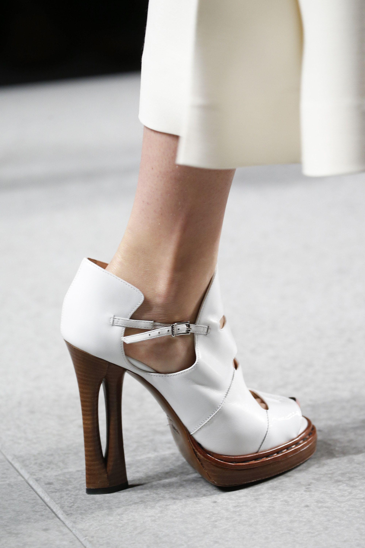 Fendi Spring 2016 Ready-to-Wear Collection Photos - Vogue