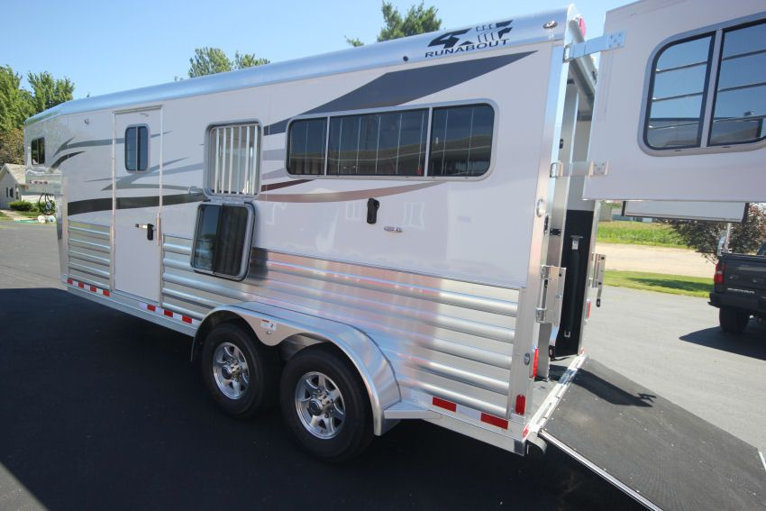Looking for a custom 2 Horse Gooseneck? Check this 2018 4