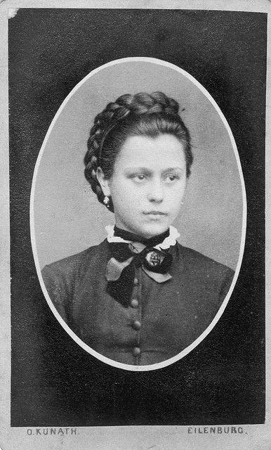 womens dresss 1850s victorian