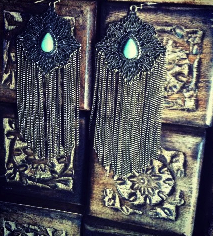 SAMANTHA WILLS CLEANSING SINS EARRINGS WHITE $72- COMPLIMENTARY WOODEN JEWELRY BOX WITH PURCHASE CALL SPLASH TO ORDER 314-721-6442