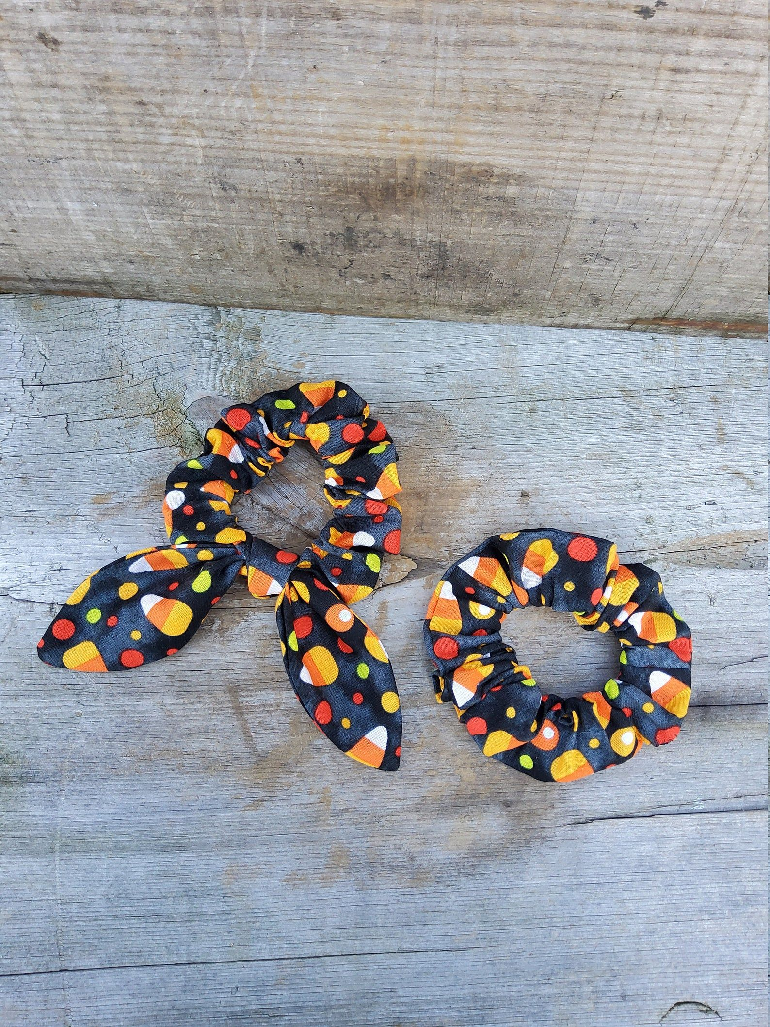 Candy Corn Hair Scrunchie Bow Scrunchies Hair Scrunchy Top Knot Hair Tie Gentle Hair Elastic Hair Accessory Handmade #hairscrunchie